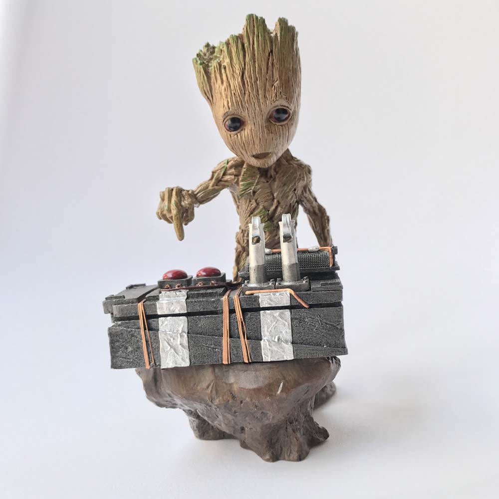 18cm Guardians 2 DJ Baby The Tree Man Statue Action Figure Collectible Model Toy new arrivals hote cute guardians of the galaxy 2 groot statue figure collectible model toy 9 types children gifts