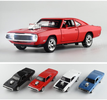 1:32 Scale Model Cars To  Car Alloy Toy Openable Door Belt Sound and Light Diecast Toys for Boy Kids Gift