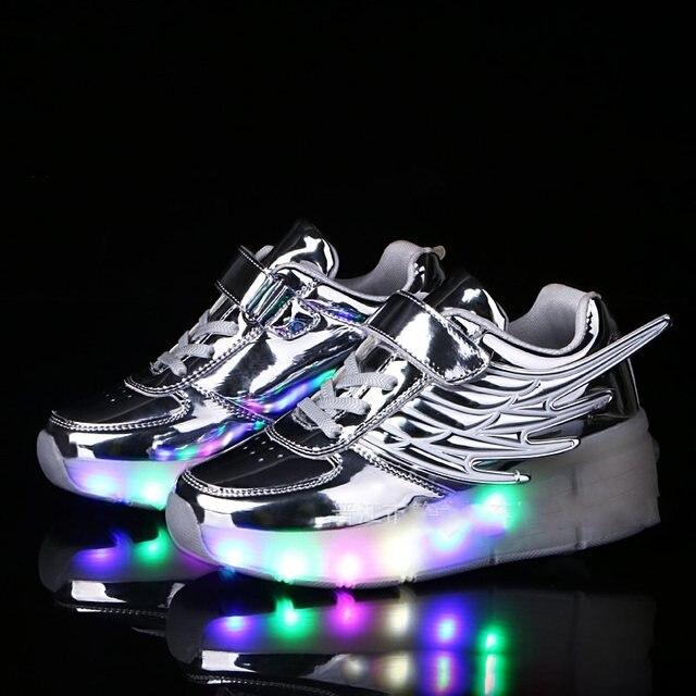 4fe921c41 Nueva llegada zapatos de los niños zapatos brillantes zapatillas de deporte  con ruedas alas niños de