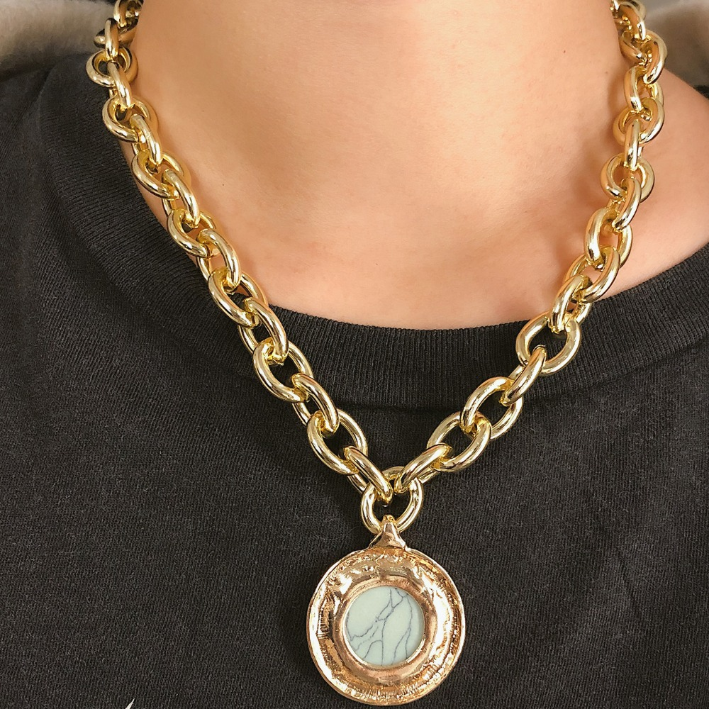 KMVEXO European and American Fashion Gold Color Temperament Round Resin Statement Vintage Chain Bib Necklaces 19 New 1