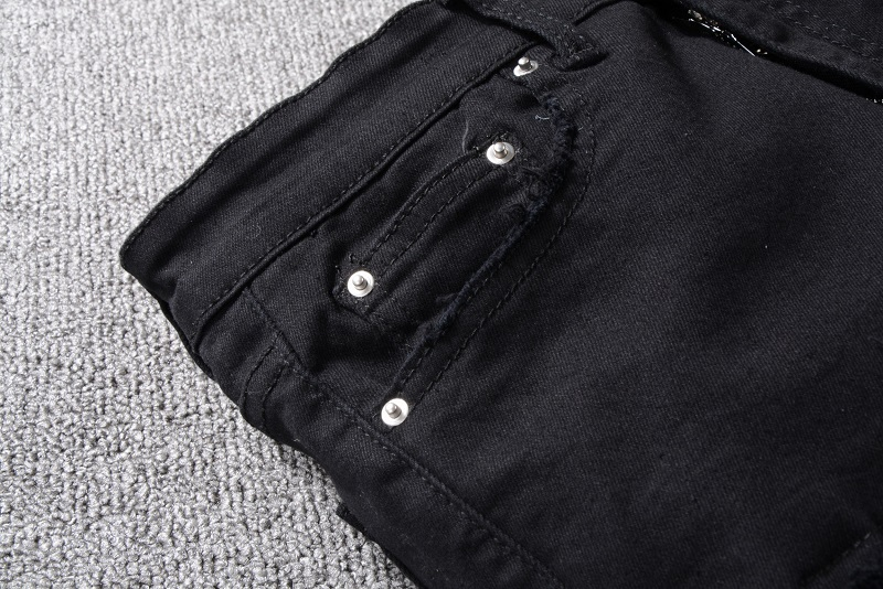 Royles! Men's Distressed Black Jeans  5