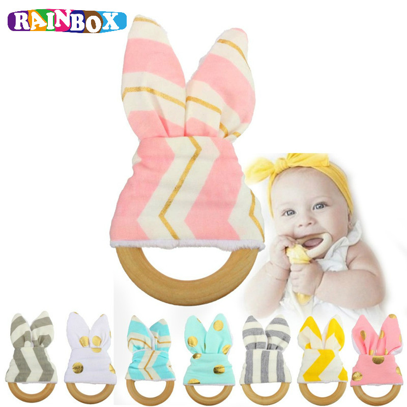 Hot Sale Baby Teething Ring Teether Natural Wood Circle With Fabric Wooden Rattle Teething Training Newborns