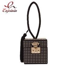 Punk moda siyah Pu altın çivili Retro toka püskül kadın parti çanta çanta kutusu tasarım çanta kadın Bolsa el çantası