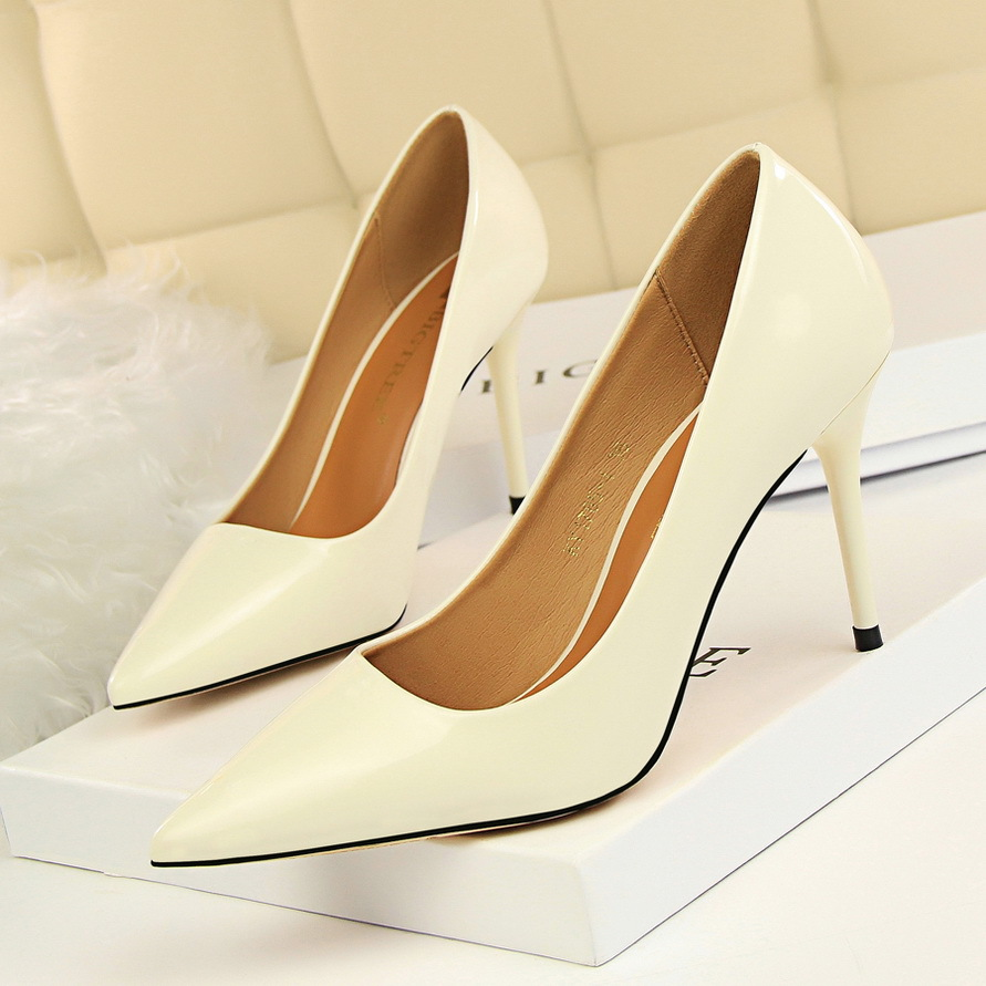 New Women Pumps Shoes Sexy Patent Leather Shallow Slip-On Pointed Toe 9cm Thin High Heels Wedding Party Lady Solid Female Shoes