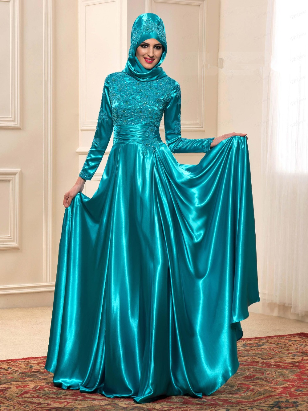 Dress code evening gown - Green Long Sleeve Muslim Evening Dresses 2016 Straight Hijab Arabic Evening Gowns High Neck Lace Appliques Satin Party Dress In Evening Dresses From