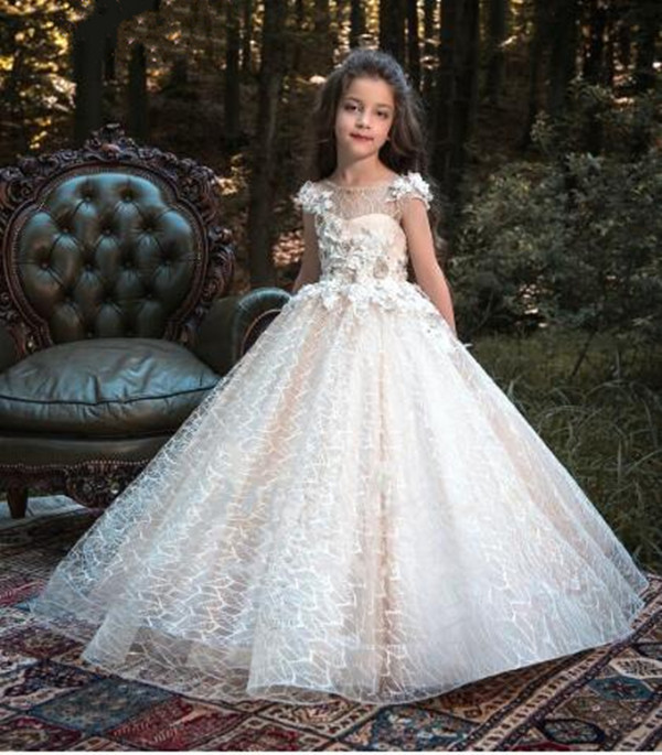 New Luxury Flower Girl Dress for Wedding Ball Gown 3D Flowers Appliqued Lace Girls Communion Gown White Ivory