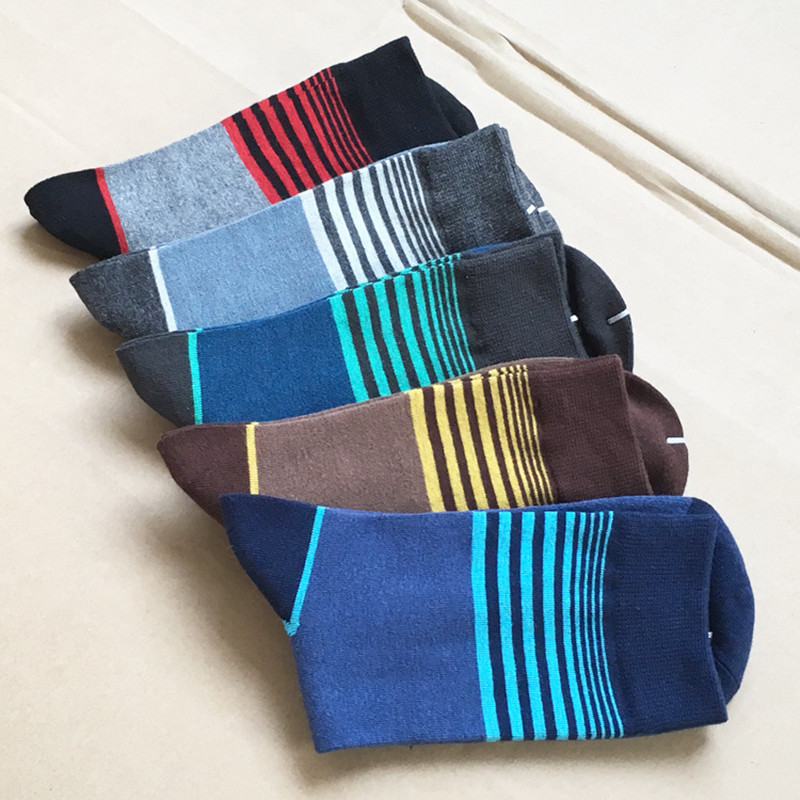 1 lot =5 pairs New Arrival Mens High Quality Striped Pattern Combed Cotton Socks Brand Designer Casual Sox Dress Business Gift