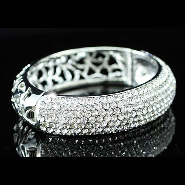 Vintage Style Bridal Wedding Party Pageant Bangle Bracelet use Sparkling Austrian Crystal CB042