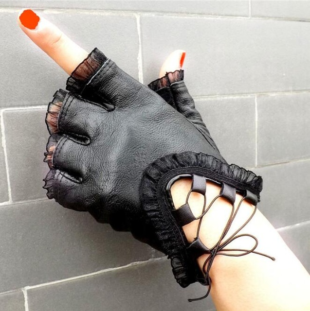 New Fashion Half Finger Gloves Women Genuine Leather Black Gloves Creative Girls Sheepskin Lace Dance Mittens