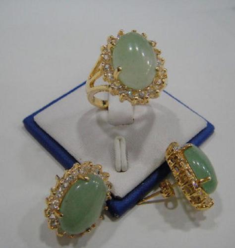 ¡Gran oferta nuevo estilo caliente! La naturaleza jade VERDE de cristal conjunto de anillo y pendientes