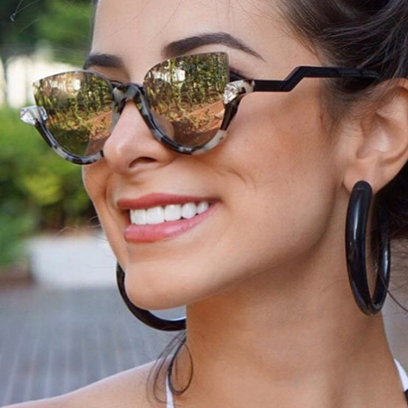 2018 Fashion Trend Sunglasses Women Luxury Brand Designer Gafas de sol Damas para mujer UV400 Shades estilo barroco RS088