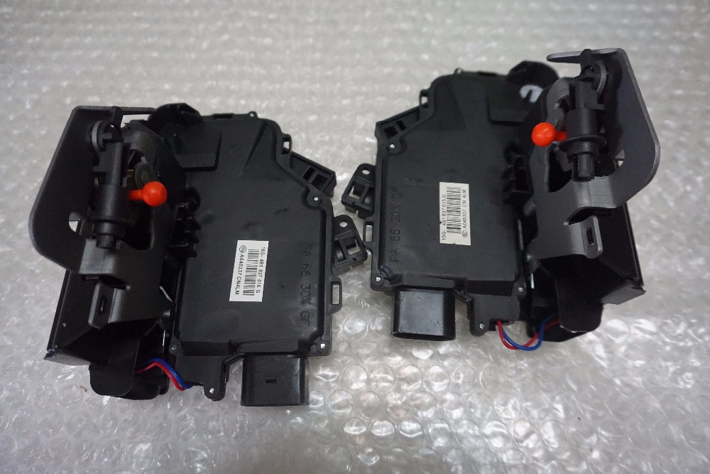 high qualtiy pair 2 pieces for Front right left Door Lock Latch 4B1837015G For Audi A6