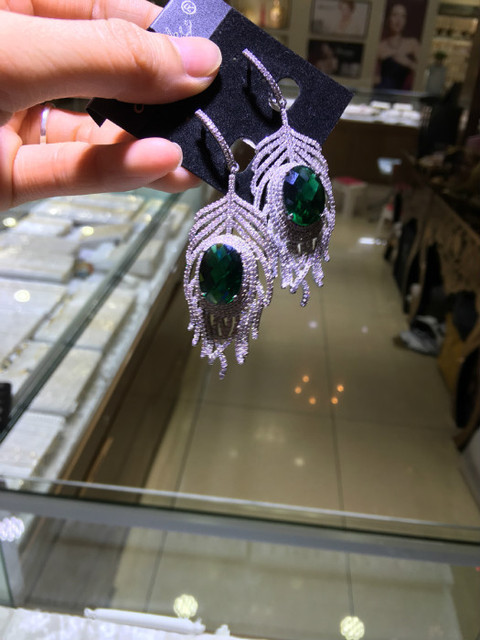 Factory outlets feather style LADIES EARRINGS exaggerated jewelry wholesale and retail sales of wholesale and retail