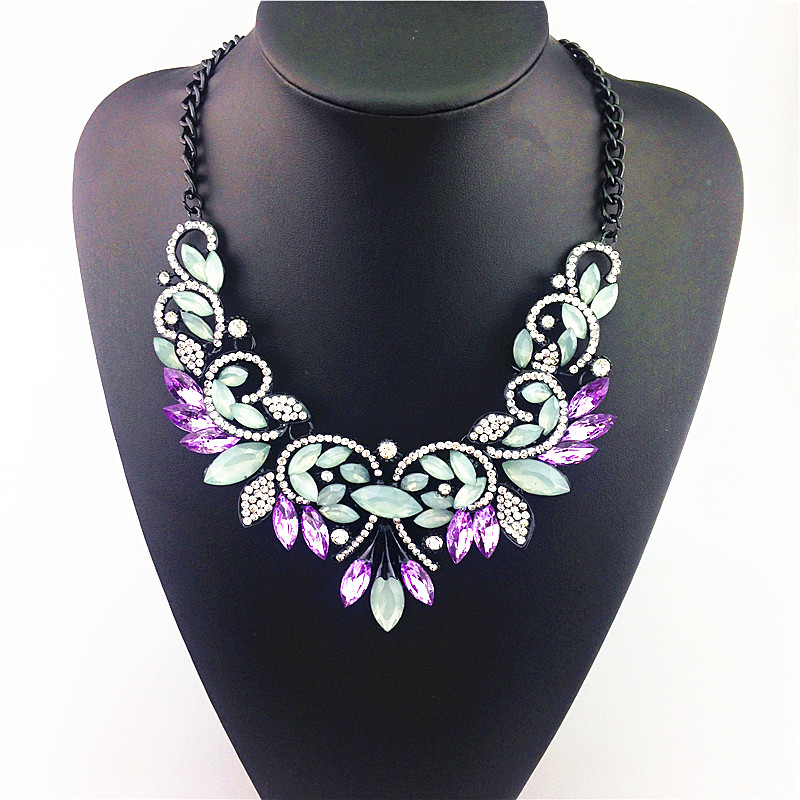 Noble Shining Crystal Fashion Necklace Charm Accessories Unique Gorgeous Purple Crystal Butterfly Glam Design Pendant Necklace