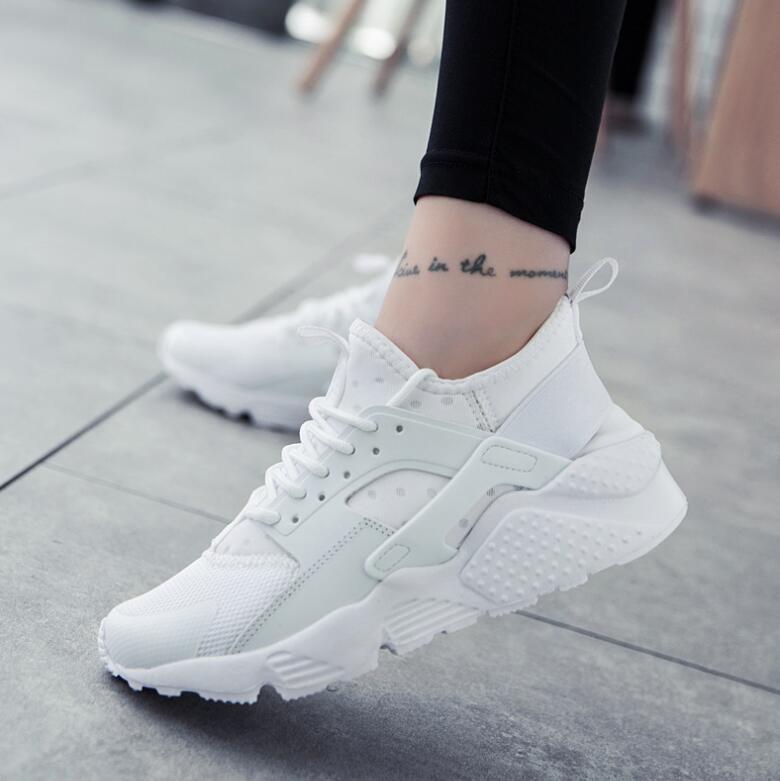 fe88b00bd93fbd Plate 2018 Appartements Noir blanc Mode forme Casual black Sneakers  Confortable D'été rose Respirant Des Chaussure ...