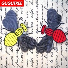 GUGUTREE embroidery Sequins big bee patches animal cartoon badges applique for clothing XC-472