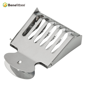 Image 3 - Benefitbee Beekeeping Tools Bee Queen Cage Stainless Steel For Beekeeping Equipment Supplier 5pcs Hot Sale Height Quality Cages