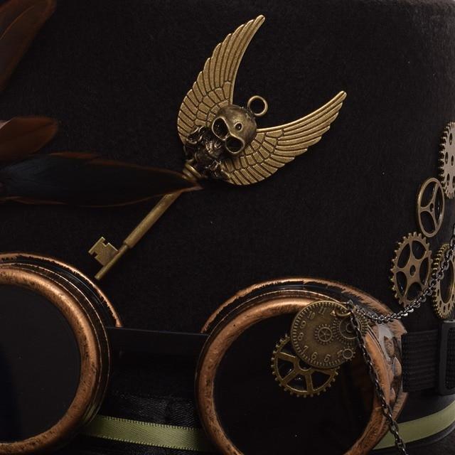 Шляпа в стиле стимпанк с очками и пером 3