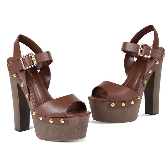 Peep 15 Cloutés Femmes Sandales Brown Épais Plate Cm D'été En Chaussures Toe 2019 Talons Brun Cuir Sexy forme Carpaton Rivets Ugd8xwqnU
