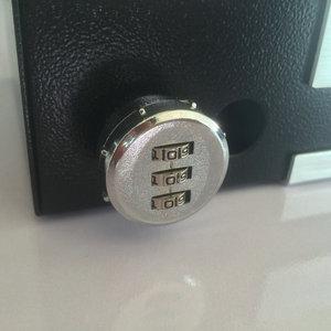 Image 3 - ポータブル車の安全ボックスパスワードロック室内金庫ジュエリー現金ピストル収納ボックスアルミ合金セキュリティ金庫ワイヤーロープ固定