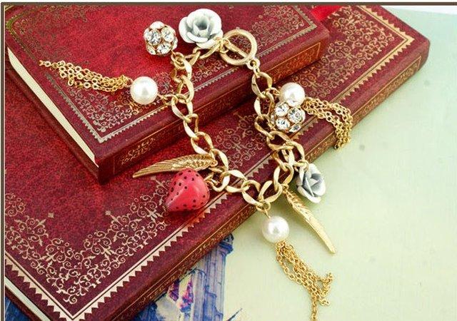 Vintage Pearl Rhinestone Flower Heart Bracelet Fashion Elegant Charm Bracelets