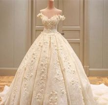 fashionable v  lace appliques crystal pattern ball gown wedding dresses train robe de mariage bridal gown 2017
