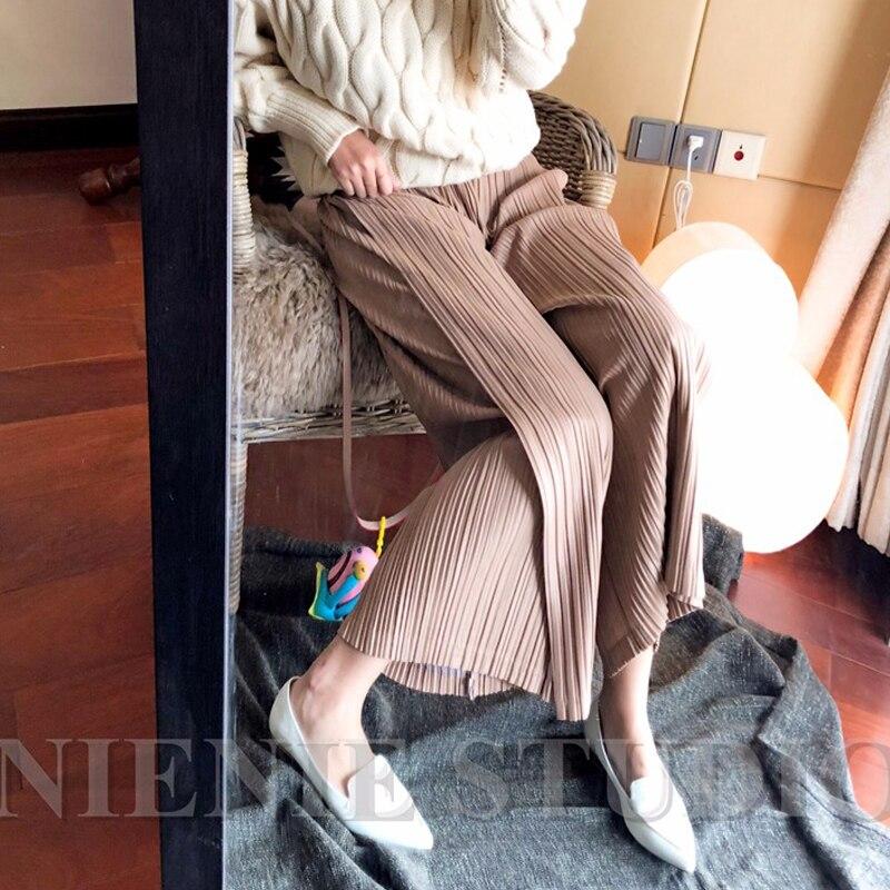 Changpleat 2019 Nuove Donne della molla dritto pantaloni larghi zampe Miyak Pieghettato di Disegno di Modo Allentato di Grandi Dimensioni Pantaloni a vita Elastica P0-in Pantaloni e pinocchietto da Abbigliamento da donna su  Gruppo 2