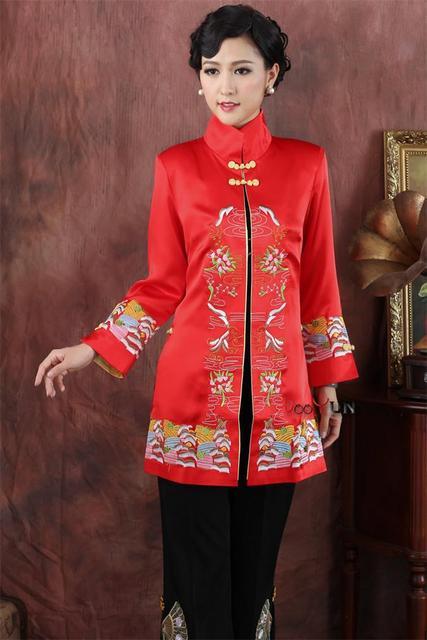 2017 Новый Красный женская Шелковый Атлас Верхней Одежды Классический Мандарин Воротник Пальто Вышивка Цветочные Куртка Размер S, Чтобы XXXL NJ156