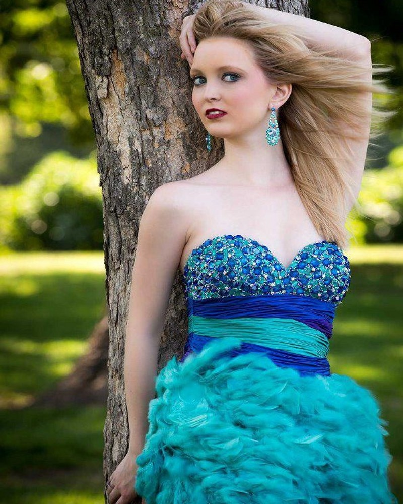 70ca06135292 2016 Luxury Feather Homecoming Dresses Blue Sparkly Fully Nice Beads  Crystal Prom Dress Party Queen High School-in Homecoming Dresses from  Weddings & Events