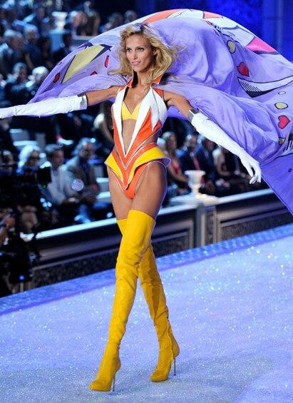 Новый Модный Желтый Белое Золото Пять Цветов Краткие Похудения Ног Дизайн На Высоком Каблуке Более Колено Сапоги