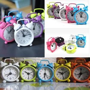 Alarm Clock Vintage Retro Silent Pointer Clocks Round Number Dual Bell Loud Alarm Clock Bedside Night Light Home Decors 19MAY13