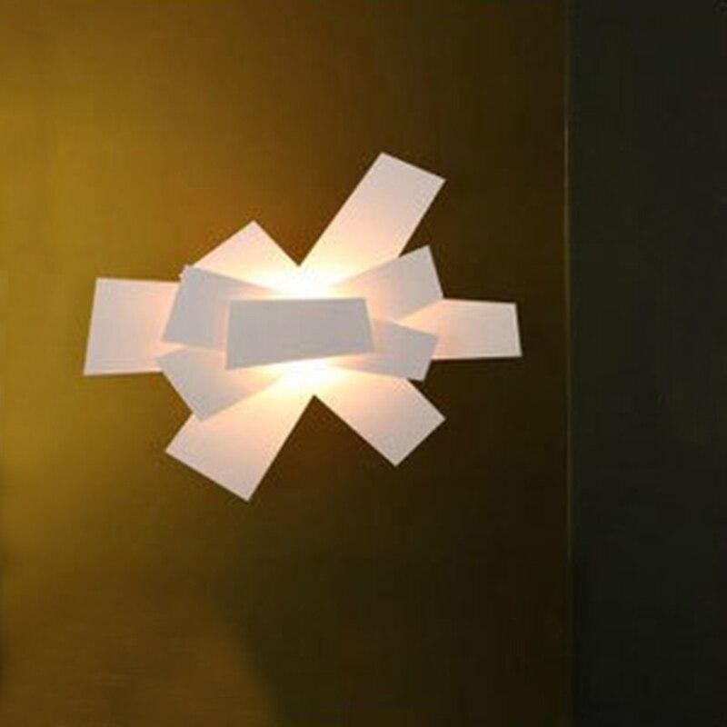 Applique moderne Foscarini Big Bang appliques plafonnier encastrable 6 pa largeur 57 cm/22.4 luminaires coloris blanc et rougeApplique moderne Foscarini Big Bang appliques plafonnier encastrable 6 pa largeur 57 cm/22.4 luminaires coloris blanc et rouge