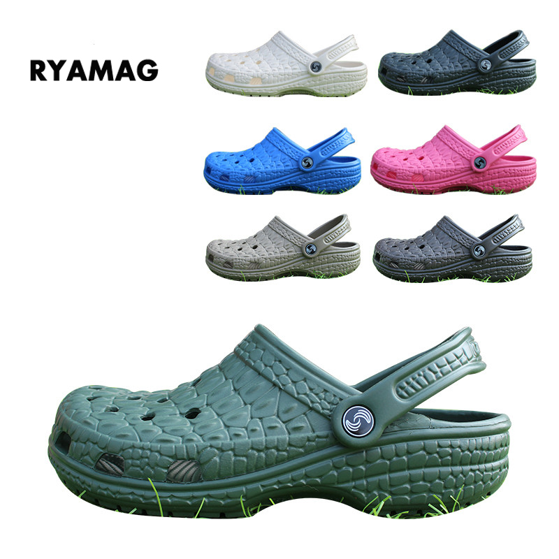 Slip on Casual Garden Man Clogs Waterproof Shoes Men Classic Nursing Clogs Hospital Men Work Medical Sandals Crocodile pattern