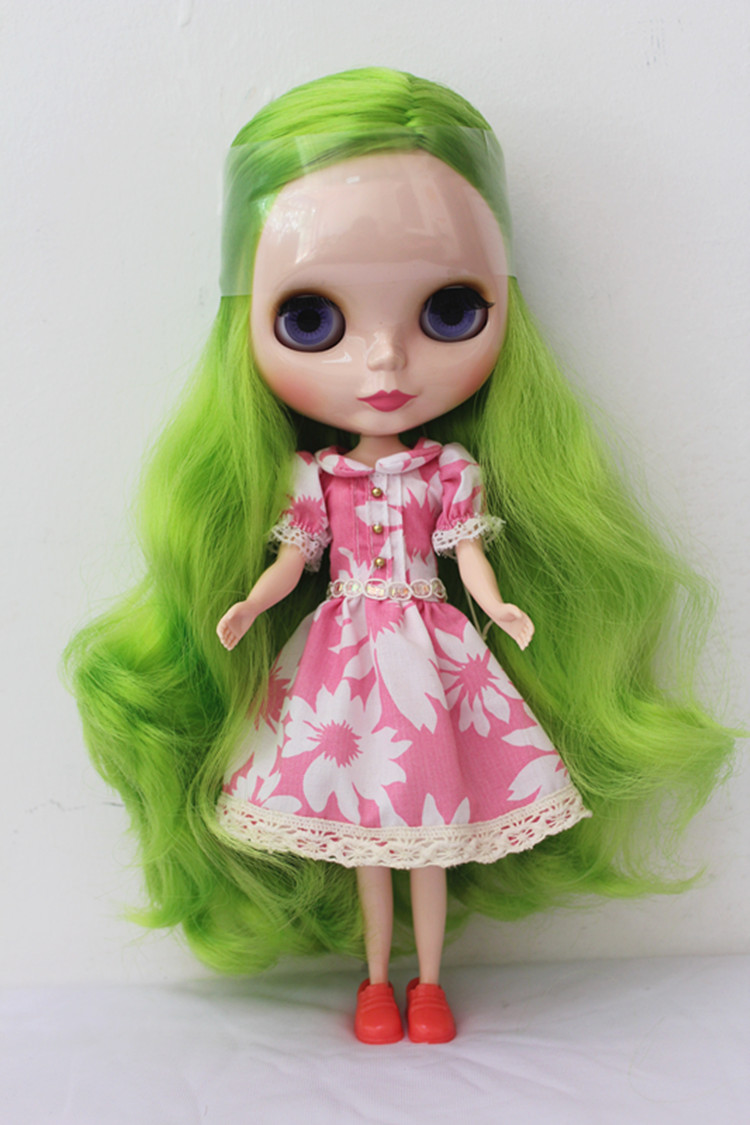 Blygirl Blyth doll Grass green wave curls normal body 7 joints ordinary skin 1/6 body suitable for their own makeup blygirl blyth doll golden wave curls doll no 31bl74 joints body 19 joints normal skin the hand can be rotated