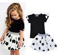 2017 nueva moda de verano para niños ropa de las muchachas fijaron negro bowknot corta camiseta + flores balón vestido de dress 2 unids ropa sets h493
