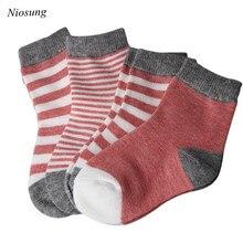 Niosung/Новинка; 4 пары; Рождественский костюм для новорожденных; мягкие и теплые носки; детская одежда для рождественской вечеринки