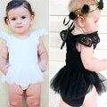 Verão Bebê Rendas Princesa Bebê Gril Romper a Roupa Do Bebê Roupas Romper Playsuit Bebê Menina Branca e Preta