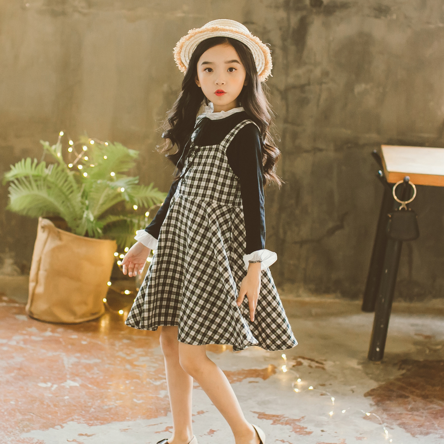 Girl Autumn and Winter Clothing 2018 New Brand Cotton T-shirt + Plaid Skirt Girl Skirt Suit Baby Strap Skirt 2 Pieces Sets CC935 children s garment 2017 summer new pattern girl school the wind of cotton t straps cowboy skirt two pieces suit