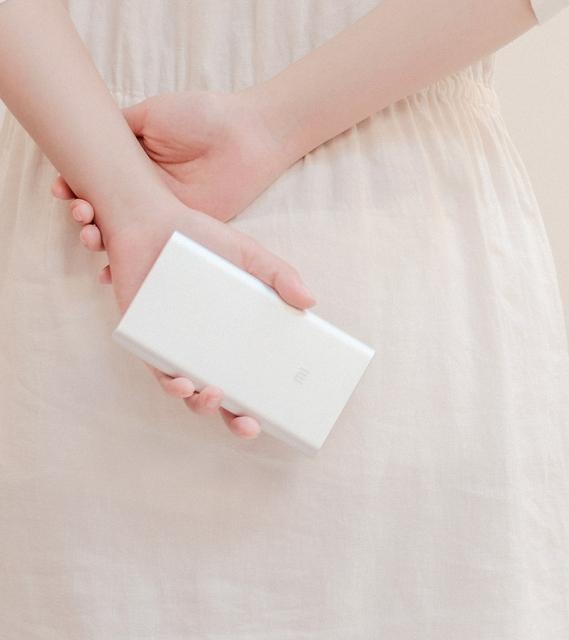 100% original xiao mi real del banco de potencia 10000 mah cargador de la energía mi portátil cargador para xiaomi iphone + caja al por menor de la gota gratis