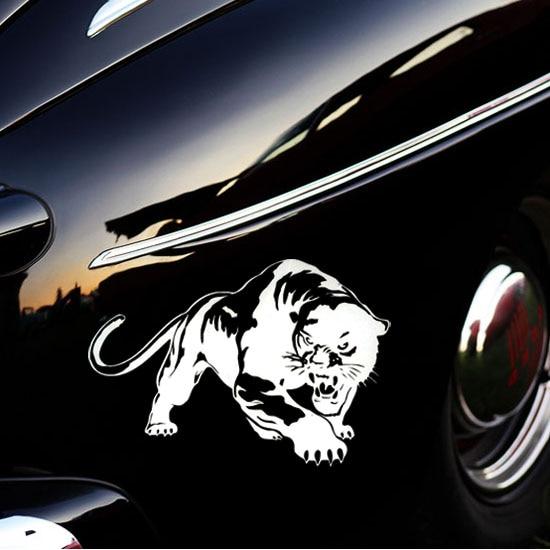 19.5 * 13.6 CM Fiery Wild Panther Hunting Car Body Decal Car Stickers - Exteriör biltillbehör - Foto 5