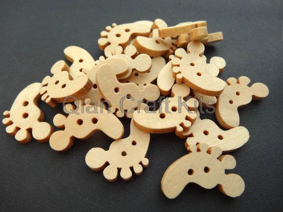 500pcs medium Wooden Bottons,Feet Shape,Footprint,Kids Sewing Buttons DIY Accessories 21x15mm wood 2 holes kawaii cabs