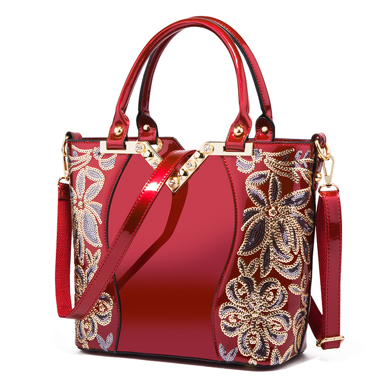 Hot!!! 2019 Leather Womens Tote Large-capacity embroidery shoulder bag Classic Casual Tote bags women cheongsam bolsa femininaHot!!! 2019 Leather Womens Tote Large-capacity embroidery shoulder bag Classic Casual Tote bags women cheongsam bolsa feminina