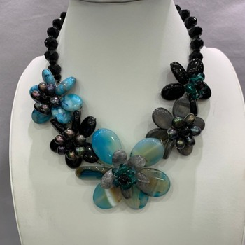 natural semi-precious stone and shell flower necklace blue and black color mixed only 1 piece 45CM fashion  jewelry  hyperbole