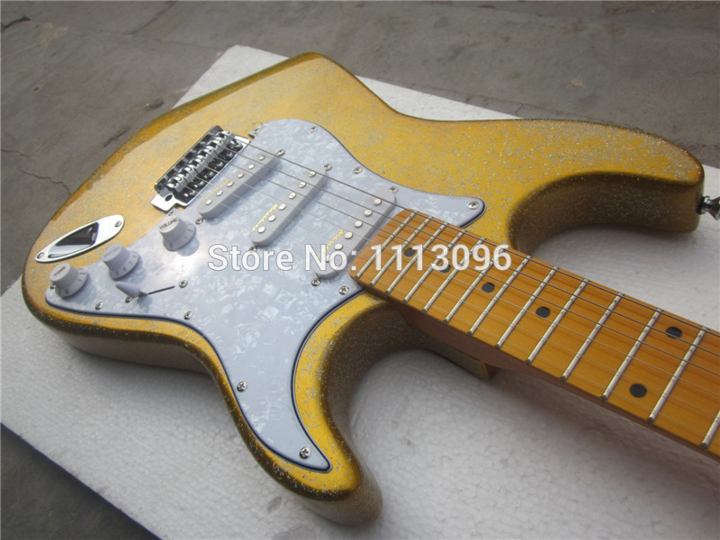 free shipping electric guitar 2015 new st guitar electric guitar golad color guitar in china in. Black Bedroom Furniture Sets. Home Design Ideas