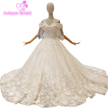 2018 Nature White Lace Sleeveless Strapless Cathedral Train Pregnant Bridal Gowns Floor-length Lace Up Ball Gown Wedding Dresses