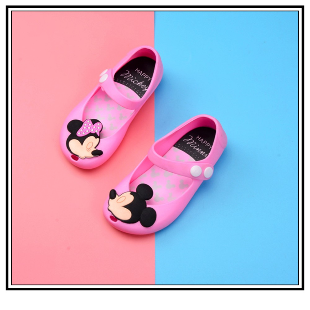 c6a2d2c0847f Toddler Kids Summer Shoes Candy Color Non Slip Beach Shoes for Girls Mickey  Mouse Jelly Shoes Mary Jane Flats Girls Clothes-in Sandals from Mother    Kids on ...