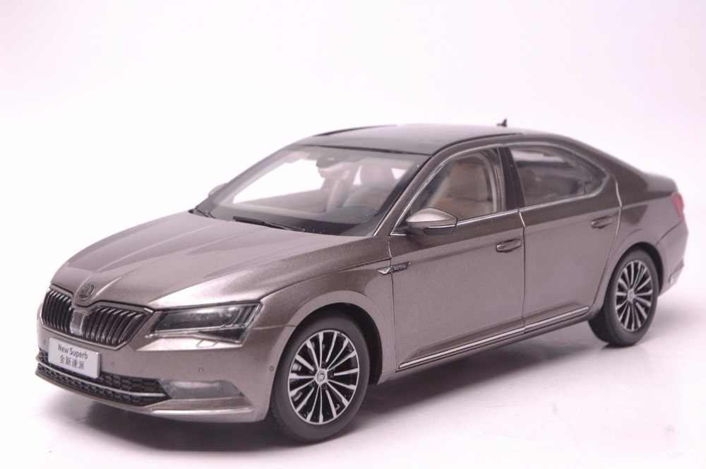 1:18 Diecast Model for Skoda Superb 2015 Brown Liftback Alloy Toy Car Miniature Collection