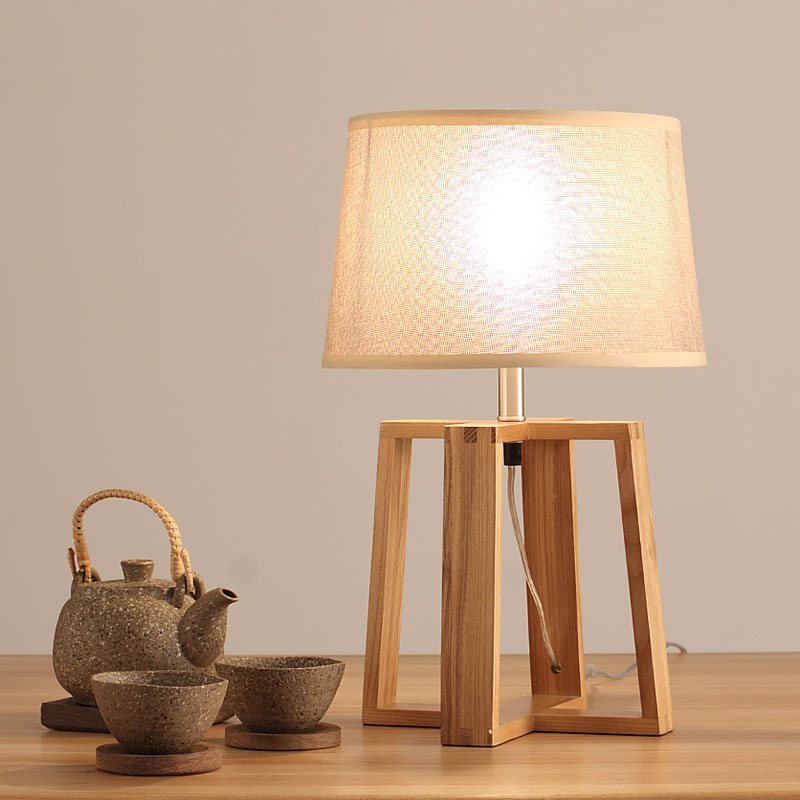 Japanese style bedroom bedside lamp retro wooden desk lamp of modern Chinese table linenJapanese style bedroom bedside lamp retro wooden desk lamp of modern Chinese table linen