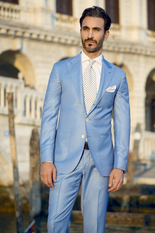 2017 Dernier Style Italien Homme Costume Bleu Clair Marié Smoking 2 Pièce  Slim Fit Hommes De Mariage De Bal Dîner Costumes Groomsman Costumens dans  Costumes ... d6b1202a32f