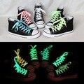 2 unids 80 cm deporte luminoso cordones de los zapatos brillan en la oscuridad fluorescentes de color cordones de los zapatos Del Deporte Atlético cordones de zapato plano En Todo El Mundo venta